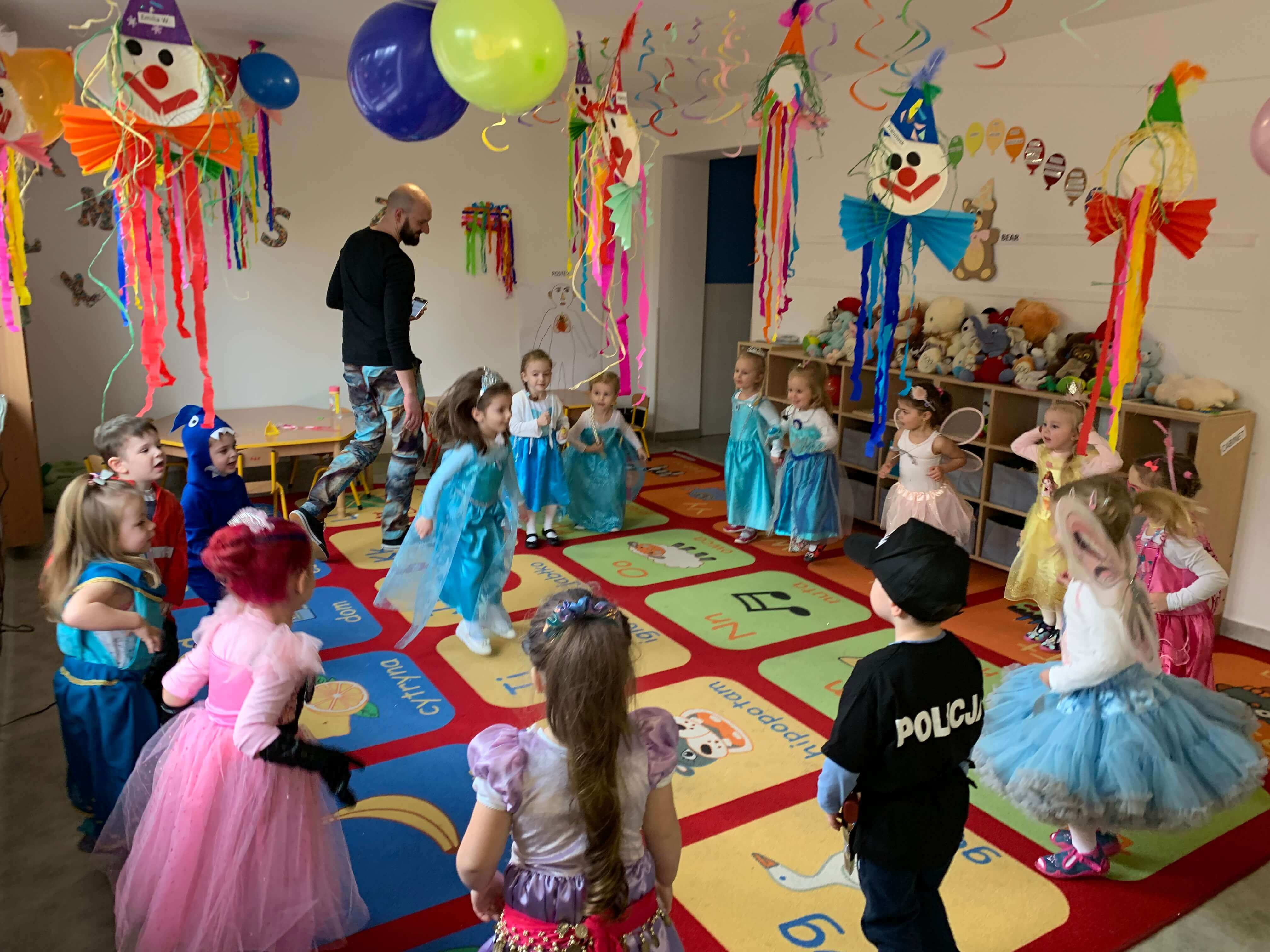 Karnawał 2019 w przedszkolu i żłobku 2 języki Wieliczka – Tomaszkowice