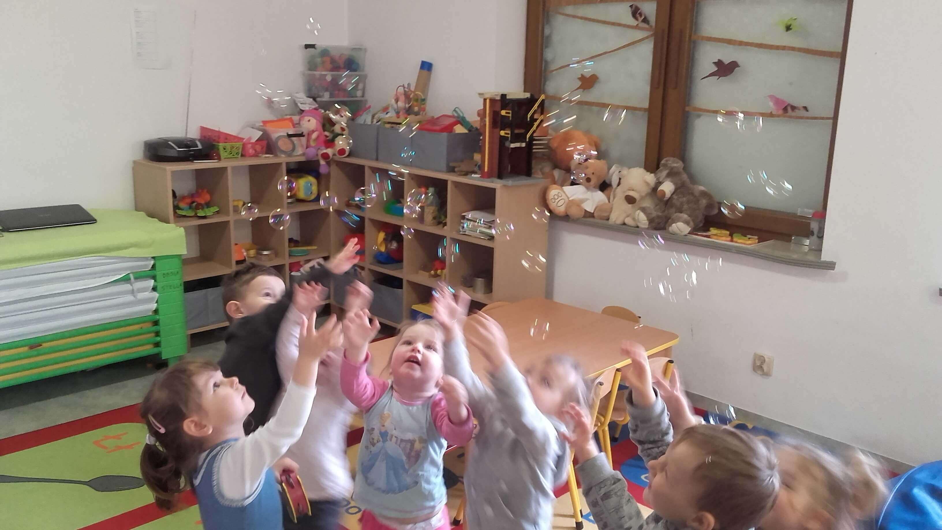 Dwujęzyczność w przedszkolu i żłobku 2 języki w Wieliczce -Tomaszkowicach