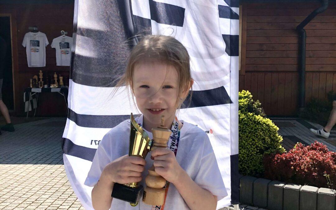 Gratulujemy Zosi, naszej wspaniałej szachistce :)